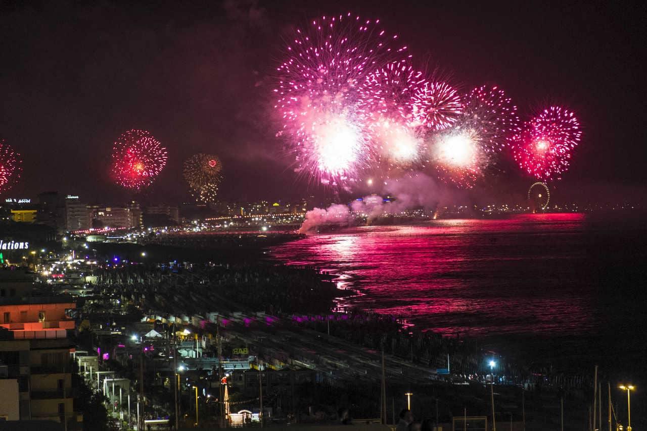 3614e8fced 3 giugno 2019 - Torna per il 14esimo anno consecutivo il 'Capodanno  dell'estate italiana' ovvero la Notte Rosa che nel weekend lungo in  partenza venerdì 5 ...